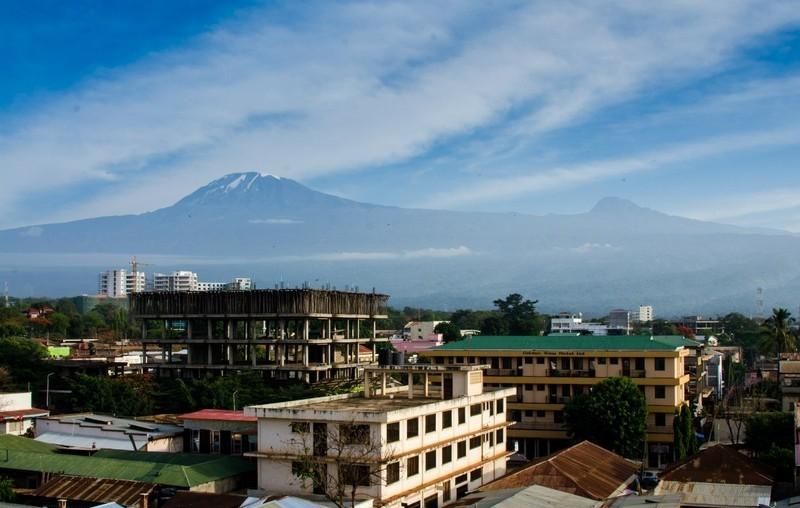 Гора Килиманджаро, вид  из Моши