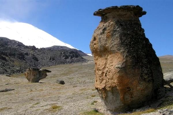 Каменный гриб Эльбрус