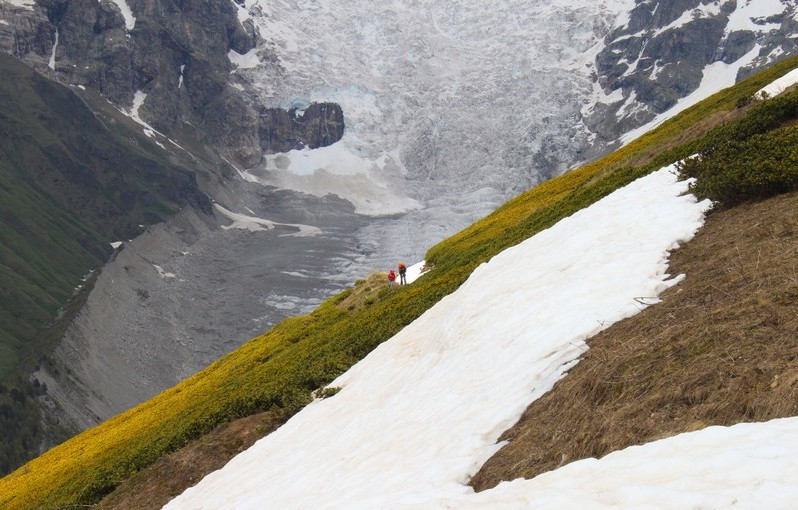 Дорога к перевалу Чхутниери