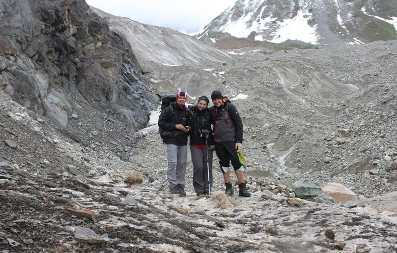 На леднике Шхары